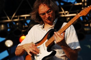 Sonny landreth performs Sept. 4 at Big Muddy Blues Festival in St. Louis